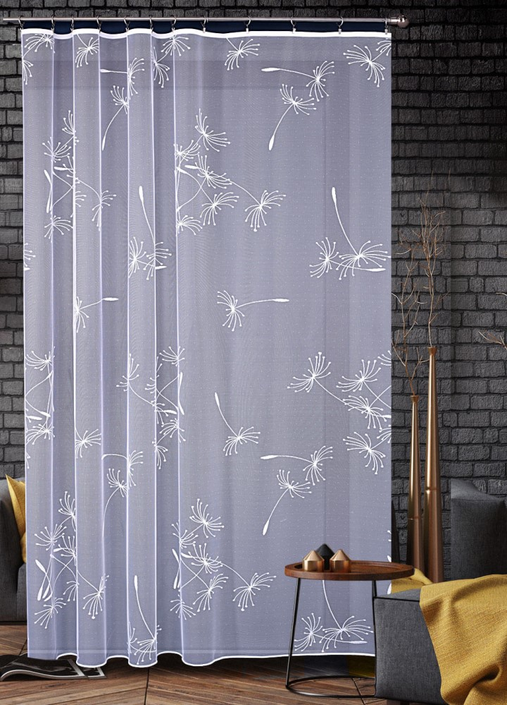 Záclona s pampeliškami.